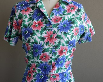 Vintage 1950s Blouse - Super Colorful Floral Peplum Hawaiian Short Sleeve - Must Have - S