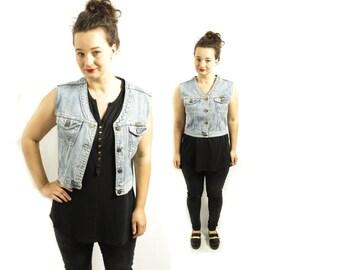 Wrangler vest, Denim vest, Jeans vest, Vintage Jeans Vest, 70s denim Vest, Light Blue Jean vest, Womens jeans vest, Grunge / Small Medium
