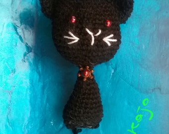 Black cat but also of other colors