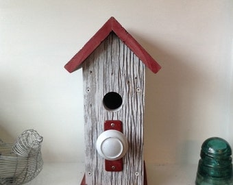 Birdhouse - Rustic Birdhouse - Barn Wood Bird house - Wooden Birdhouse - Primitive Birdhouse - Functional Birdhouse - Hand Painted Birdhouse