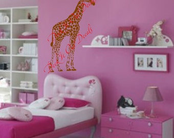 Baby Giraffe Vinyl decal ....E00160