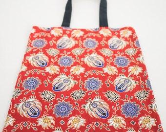 Fabric tote bag // Cotton shopper bag // Handbag // Travel bag // Indonesian Batik fabric // Handcrafted by LeFouillisDeMarie