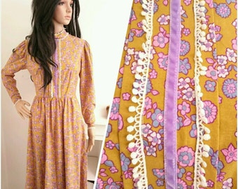 Vintage 60s 70s Victorian Floral Daisy Cotton Crochet Boho Folk Maxi Dress / UK 8 / EU 36 / US 4