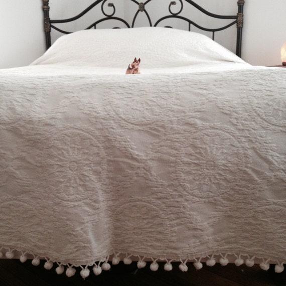 Vintage Bedspread Big White Bedspread Ball Fringe Vintage