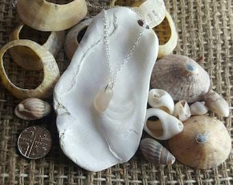 Seaglass pebble Pink/Peach on silver chain