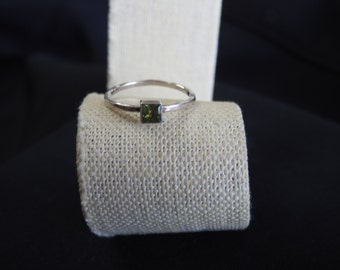 stunning vintage sterling silver and peridot ring size 9
