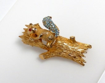 En Tremblant Squirrel Brooch Vintage Trembler Squirrel in Tree Pin
