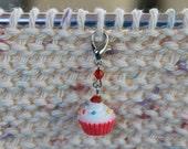 Vanilla Cupcake Progress Keeper Stitch Marker Resin Charm Knitting Crocheting SPK306