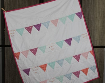 Little Girls Multicolor Bunting Quilt