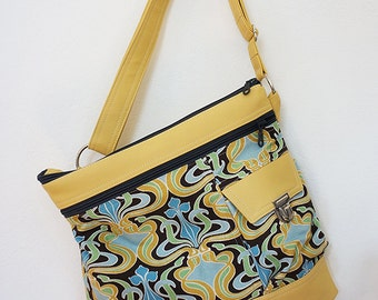 Quinn (yellow print, faux leather)
