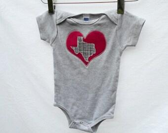 I Love Texas Baby Toddler Bodysuit Gray with Fuchsia Heart size 3-6m, 6-12m, 12-18m, 18-24m