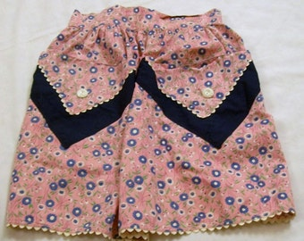 Vintage Apron, Cotton Apron, Pocket Apron, Pink Flowered Apron, Blue and White flowers, Pretty Apron