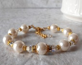 Ivory Pearl Bracelet Off White Bridal Jewelry Bridesmaid Bracelet with Swarovski Crystals Pearl and Crystal Wedding Jewelry in Gold Handmade