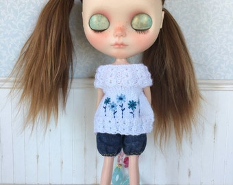 Embroidered Blouse for Blythe Doll
