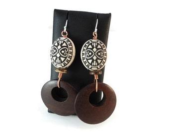 White and Dark Brown Hoop Earrings Wood and Copper, Boho Hoop Earrings Sterling Silver Ear Wires, Wooden Earrings Bohemian Jewelry Design