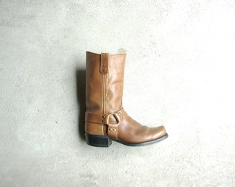 Vintage 70's light tan brown motorcycle boots, leather boots with harness, size 9.5