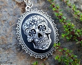 Sugar Skull Cameo necklace, Day of the Dead skeleton, Frida Kahlo mexican jewelry, Steampunk Victorian Gothic momento mori statement piece