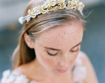 Golden bridal crown for woodlands bride,floral crown in gold with leaves,tender bridal headpiece, bridal accessory, rustic bridal headpiece
