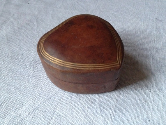 vintage leather heart shaped trinket jewelry ring box made in