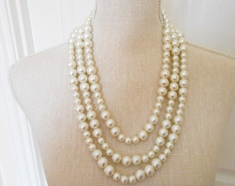 Ivory pearl necklace, Wedding necklace, Bridesmaid gift, Bridesmaid necklace, Birthday gift,Teacher gift, Mother day, Christmas gift