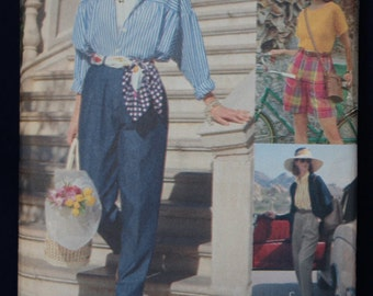 Vogue Sewing Pattern for Women's Shorts and Trousers in Size 12-14-16 - Vogue 8095