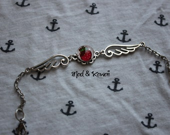 Bracelet Strawberry winged