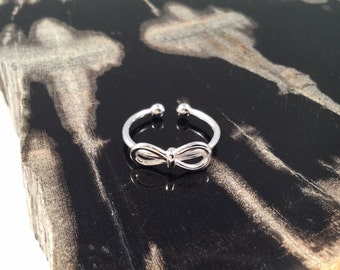 Bow Ring, Silver Bow Ring, Minimalist Stackable Knot Ring, Silver Bow Tie Ring