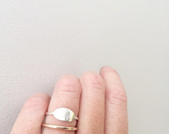 Oval ring / signet ring / silver stacking ring