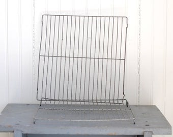 VINTAGE Wire Cooling Rack - Straight + Simple Design