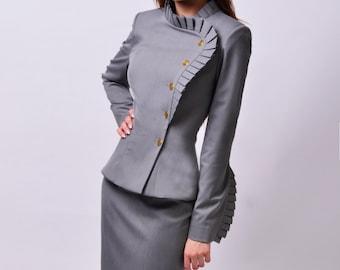 Ema suit