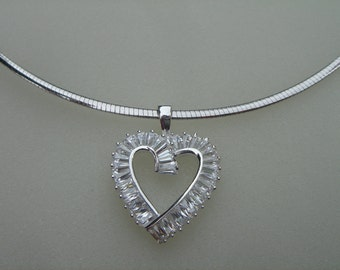 Choker, Omega, sterling silver with sparkly heart