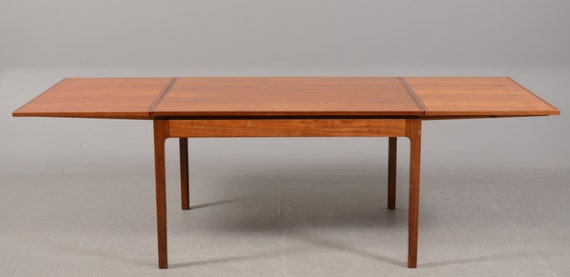 Danish 1940s Extending Mahogany Dining Table by Jacob Kjaer