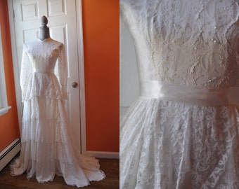 SALE - Vintage 1960s Wedding dress  | White Lace Tiered Wedding 60s dress • Romantic Dream Wedding dress