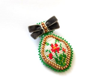 Brooch Embroidery, Brooch Bead, embroidered Brooch, Beadwork