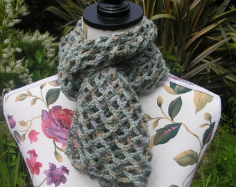 Pretty Green Lace Effect Crochet Scarf