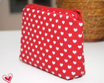 Heart-patterned cosmetic bag / makeup bag / cosmetic pouch / coin purse / coin pouch