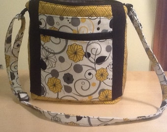Quilted Crossbody Handbag with Adjustable Straps