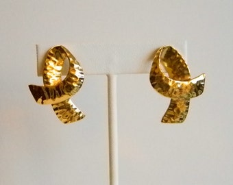 Gold Tone Satin Hammered Ribbon Pierced Earrings