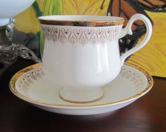 Royal Albert BURLINGTON Gold with White Bone China Tea Cup and Saucer - Made in England