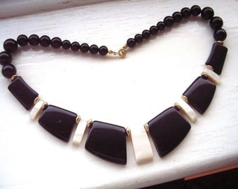 Vintage 1980's Large Chunky Black and Cream Plastic Chic Choker Necklace 80s 90s lucite stylish bold statement jewelry jewellery