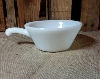 Vintage Anchor Hocking Handled Soup Bowl with Handle / Retro Kitchen / Ice Cream / White Glass / Milk Glass