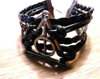 Hologram bracelet symbol black