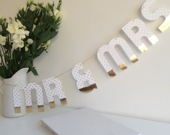 Mr & Mrs Wedding Bunting