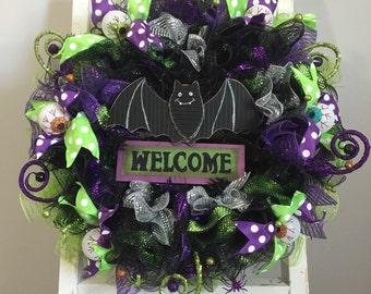 Halloween front door wreath, bat wreath, halloween bat wreath, black Halloween wreath, black bat wreath