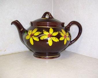 Royal Canadian Art Pottery Teapot Daisy Teapot Brown Teapot 70s Vintage