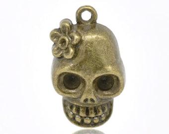 30 Bronze Tone Skull Charms Pendants 22x13mm