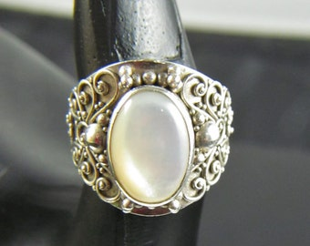 Mother of Pearl Sterling Ring Size 8