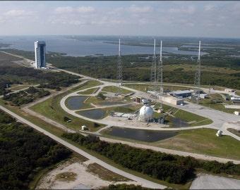 24x36 Poster . Atlas V Rocket Launch Complex 41 At Cape Canaveral Florida
