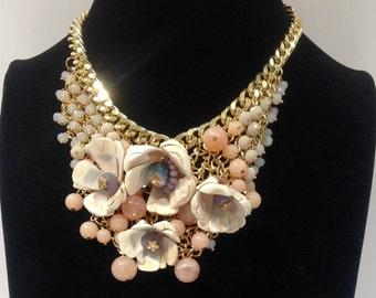 Shell dress necklace