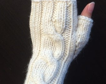 One Cable Fingerless Gloves/Hand Warmers/Manicure Gloves (Cream)